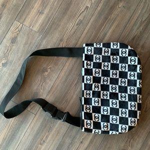 VANDY THE PINK Messenger Bag (NOT A CHANEL)